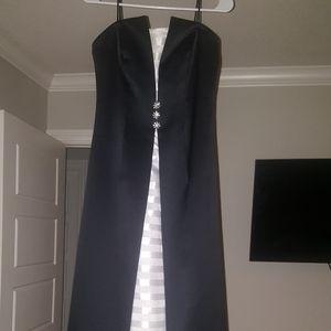 Prom/evening dresses